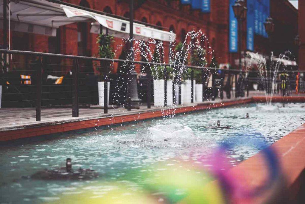 fountain-762539_1920